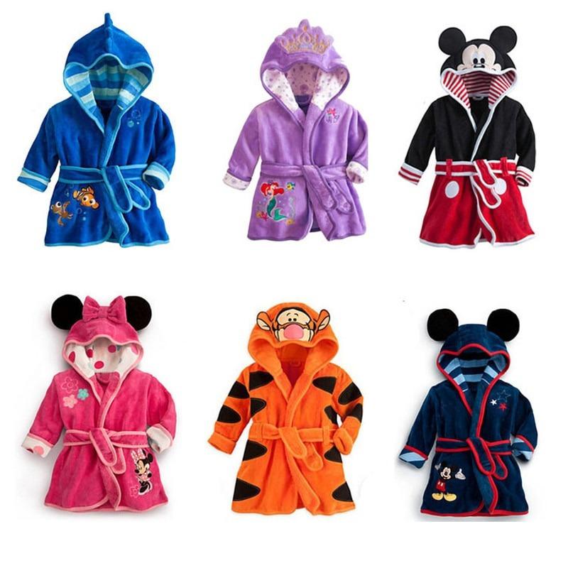 6 Albornoz de baño para niños Tematica Disney 1