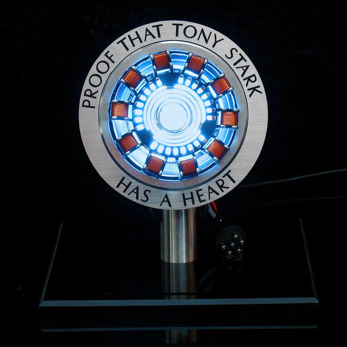 Reactor de Arco Tony Stark con luz LED 2020